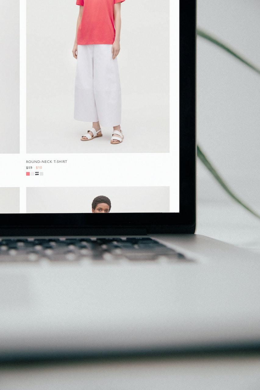 online-marketplace-integration-example-on-desktop